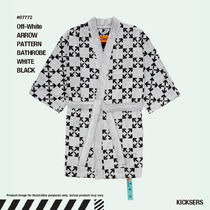 人気話題!Off-White ARROW PATTERN BATHROBE WHITE BLACK