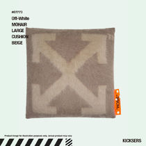 人気話題!Off-White MOHAIR LARGE CUSHION BEIGE