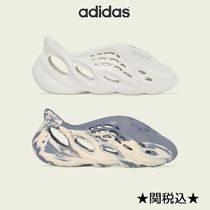 国内発送 関税込 adidas YEEZY FOAM RUNNER SAND MIX MOON GRAY