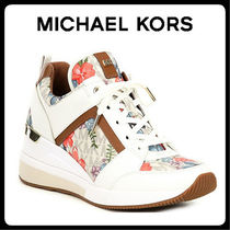 【Michael Kors】SALE!! MK Logo Floral Print Lace-Up Wedge☆