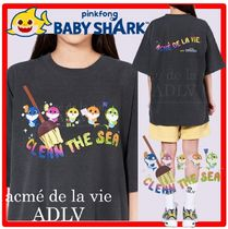PINKFONG BABY SHARK X ADLV☆CLEANING FAMILY Short Sleev.e