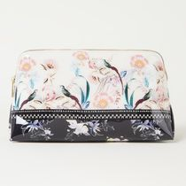TED BAKER(テッドベーカー) メイクポーチ Ted Baker★花柄☆Decksi メイクポーチ