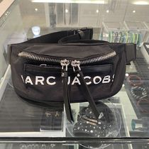 MARC JACOBS(マークジェイコブス) バッグ・カバンその他 MARC JACOBS ロゴ ナイロン ポケット付ファニーバッグ(男女兼用)
