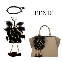 FENDI★FFロゴ Witches バッグチャーム モバイルバッテリー SALE