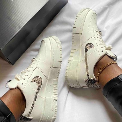 【Nike】W AIR FORCE 1 PIXEL★アニマル〓ピクセル CV8481