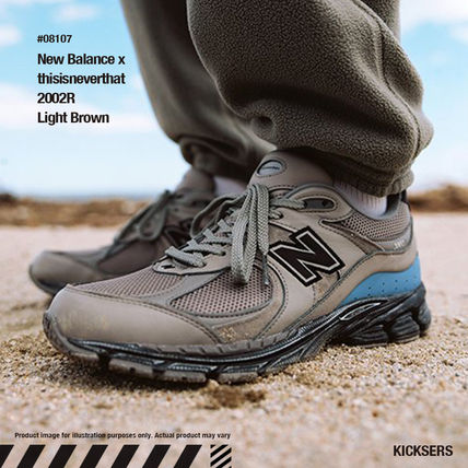 ネバザコラボ!New Balance x thisisneverthat 2002R Brown