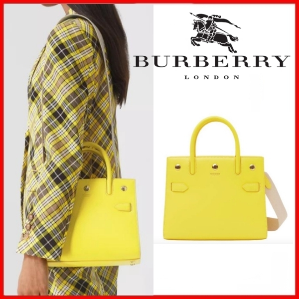 ◆Burberry◆Mini Two-handle Title Bag◆正規品◆ (Burberry/トートバッグ) 8037650