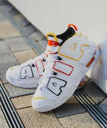 Nike キッズスニーカー 送料無料・関税込み・大人もOK♪Nike Air More Uptempo 'Raygun'(9)