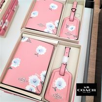 Coach(コーチ) パスポートケース・ウォレット 【COACH】Boxed Passport Case And Luggage Tag Set☆送料無料!!
