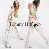 【Tommy Jeans】LUV THE WORLD Capsule スウェットパンツ
