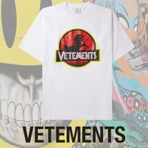 【VETEMENTS】Oversized Logo-Embroidered Printed Tシャツ