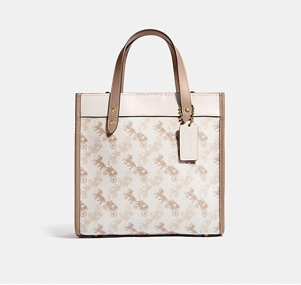 Coach ◆ C3866 Field tote 22 with horse and carriage print (Coach/ショルダーバッグ・ポシェット) C3866