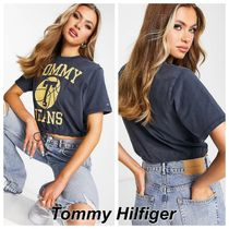 Tommy Jeans ボクシー クロップド ロゴ Tシャツ