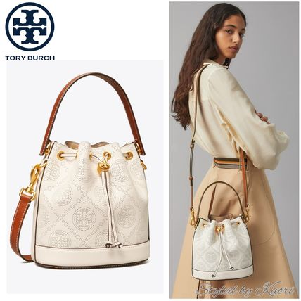 TORY BURCH T MONOGRAM PERFORATED LEATHER BUCKET BAG-国内発送
