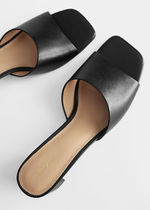 """""""& Other Stories""""☆Heeled Leather Square Toe Sandal(black)"""