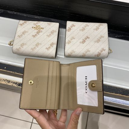 Coach 折りたたみ財布 21年5月 COACH★Snap Wallet With Horse And Carriage Dot Print(2)