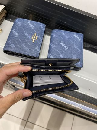 Coach 折りたたみ財布 21年5月 COACH★Snap Wallet With Horse And Carriage Dot Print(8)