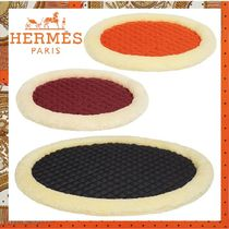 HERMES《Coussin biface pour chien》ペット用 クッション 3色