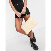 ASOS♡送料込 Topshop Large Woven Clutch bag in Butterm
