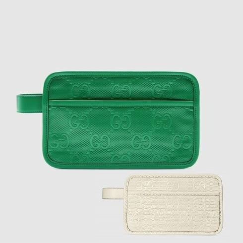 GUCCI★色★GGエンボス ケース  627470 1W3AN 9022 (GUCCI/ポーチ) 69382020