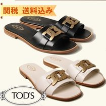【TODS】Tod's slides in leather with chain detail
