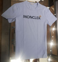 MONCLER★21/22秋冬文字を隠そうなロゴTシャツ【ライトブルー】
