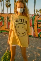 Urban Outfitters(アーバンアウトフィッターズ) Tシャツ・カットソー 【Urban Outfitters】 ニルヴァーナ Destroyed Tシャツドレス