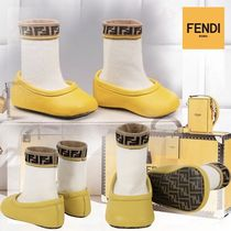 【FENDI】大人気☆Logo Baby Socks-Bootees in Yellow and White