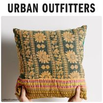 Urban Outfitters One-Of-A-Kind Kantha Throw ピロー