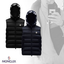 21AW【MONCLER】MONTREUIL ダウンベスト ロゴ入りフード