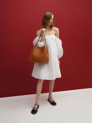 Charles&Keith トートバッグ 【シンガポール】☆CHARLES&KEITH☆ポーチ付 大容量トートバッグ(2)