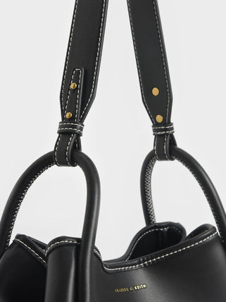 Charles&Keith トートバッグ 【シンガポール】☆CHARLES&KEITH☆ポーチ付 大容量トートバッグ(17)