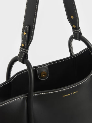 Charles&Keith トートバッグ 【シンガポール】☆CHARLES&KEITH☆ポーチ付 大容量トートバッグ(19)