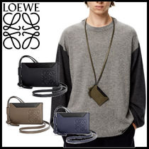 【LOEWE】Plain cardholder necklace in classic calfskin