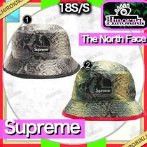 Supreme The North Face Snakeskin Packable Reversible Crusher