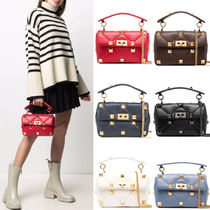 V2253 MEDIUM ROMAN STUD THE SHOULDER BAG IN NAPPA WITH CHAIN