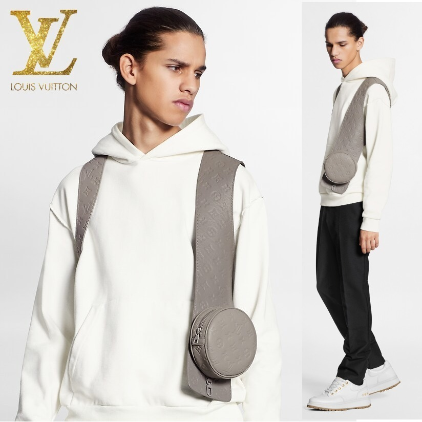 LOUIS VUITTON モノグラムエンボスミッドレイヤー ベスト ジレ (Louis Vuitton/ベスト・ジレ) 1A7X1X  1A7X1Y  1A7X1Z