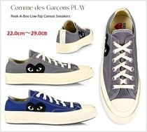 【Comme des GARCONS PLAY】Peek-A-Boo Low-Top Canvas Sneakers