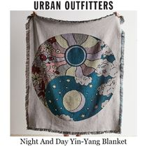 ★Urban Outfitters★Yinyangナイト&デイブランケット127×152cm
