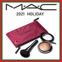 MAC★ホリデー限定★TRICK OF THE LIGHT MINERALIZE SKINFINISH